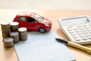 Calculo de gastos relacionados a un auto, como la tenencia.