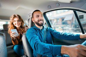 hacienda retendrá impuestos a socios de uber y cabify entre otros