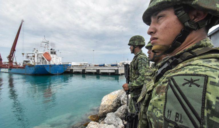 El SAT y la Sedena acuerdan militarizar la mitad de las aduanas