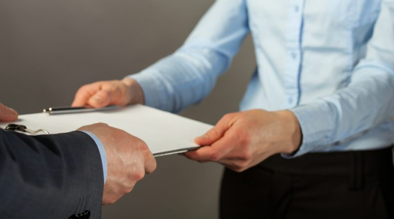 El citatorio para una notificación en materia fiscal puede, legalmente, tener una misma hora de inicio y de conclusión