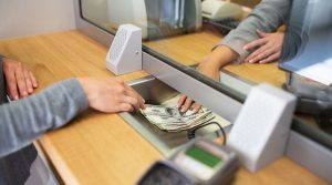 Hay que pagar impuestos por los depósitos en efectivo