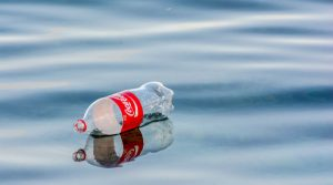 Coca-Cola quiere que las botellas de PET que no sean recicladas paguen impuestos