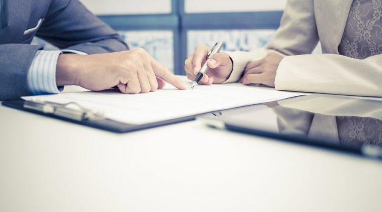firma de contrato de adhesión