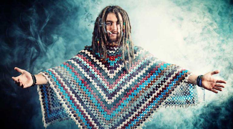 hippie fumando marihuana