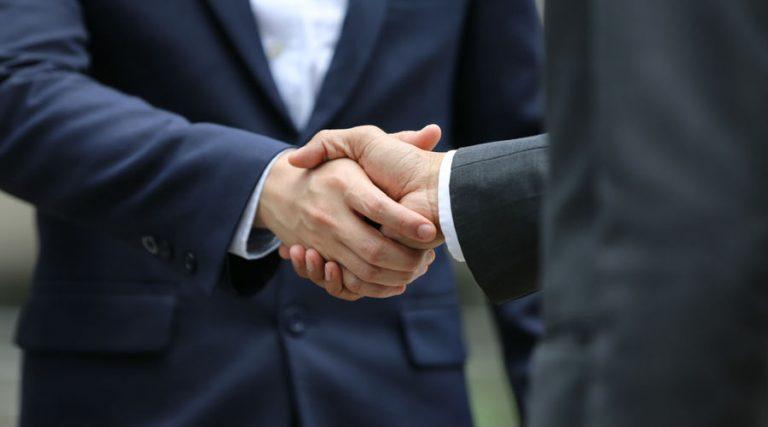 Acuerdan AMLO y empresarios matizar castigos por defraudación fiscal