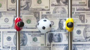 Las autoridades del Grupo de Acción Financiera Internacional investigarán de cerca el fútbol internacional. Esto porque el fútbol es una actividad vulnerable al fraude fiscal y lavado de dinero.