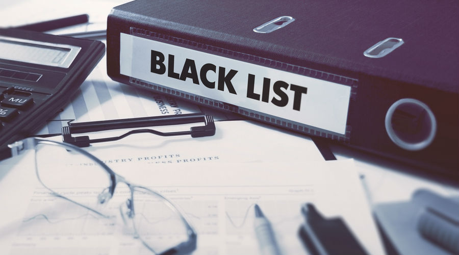 700 empresas a la lista negra del SAT