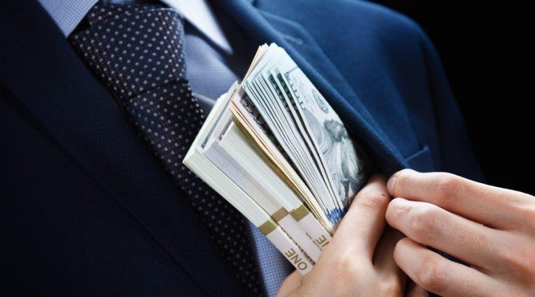 evasión fiscal y lavado de dinero