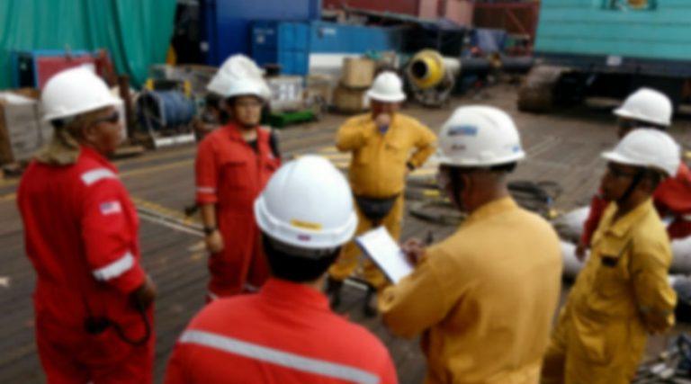 reunión-obreros-trabajadores