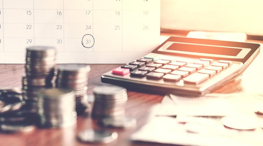 AMLO ordena al SAT cobrar adeudos de 15 empresas